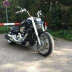 Umbau , Blinker von Motogadget , Vorverlegte von Thunderbike , Kabel in den Lenker verlegt & Gabelfüsse bearbeitet . ( gecleant )
