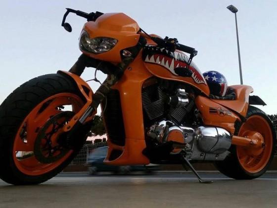 M1800R in Orange mit kurzem CobraHeck I
